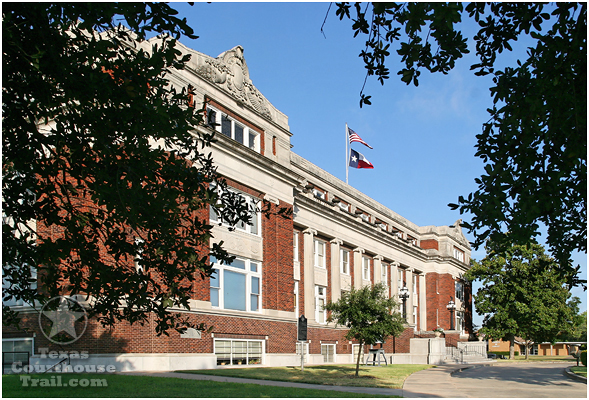 Limestone-County-Courthouse-001